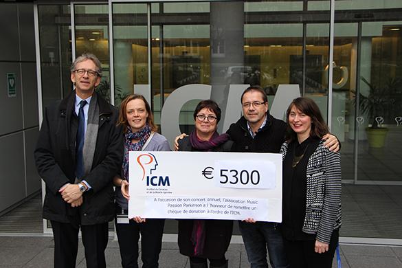 Le Pr Alexis Brice, Directeur Général de l'ICM, Mme Escande, Mr Alain Marin, Président de l'association Music Passion Parkinson et l'équipe communication de l'ICM © ICM