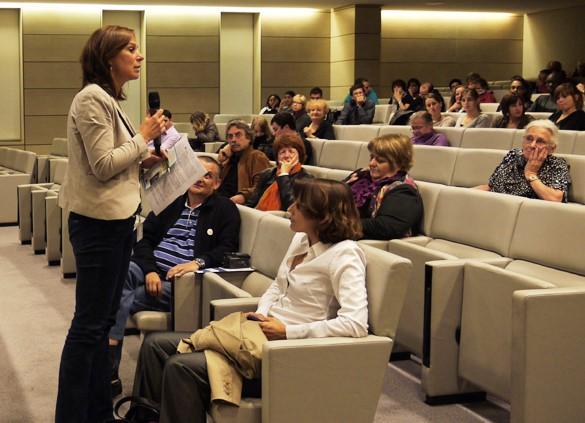 Alexandra Dürr presenting a workshop