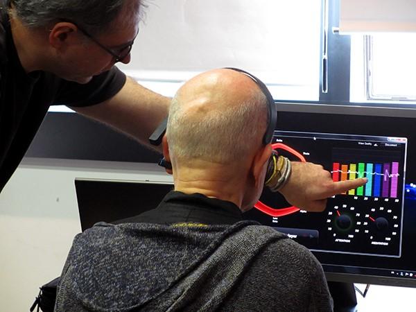 Un atelier pour expliquer ce qu'est le neurofeedback, les principes de l'électroencéphalogramme à travers des exercices de relaxation et de méditation.
