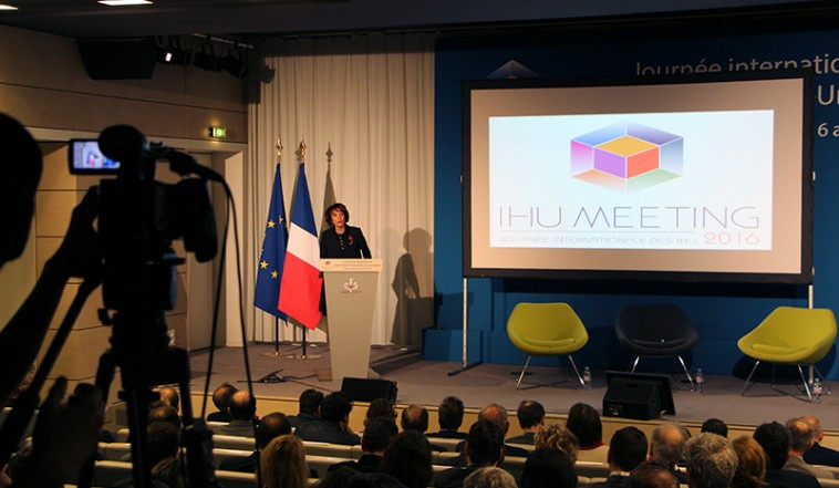journ u00e9e internationale des ihu   visite de fran u00e7ois hollande  u00e0 l u2019icm